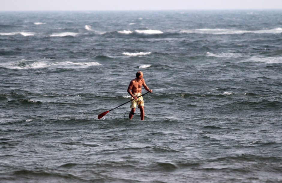 Hardcore and super-fit LBI old-timer B. O'Reilly proves that you CAN paddleboard in a 15+ South Wind yesterday.